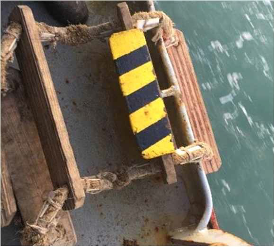 Testing found damage / distortion occurring at less than 1000kg on older ladders